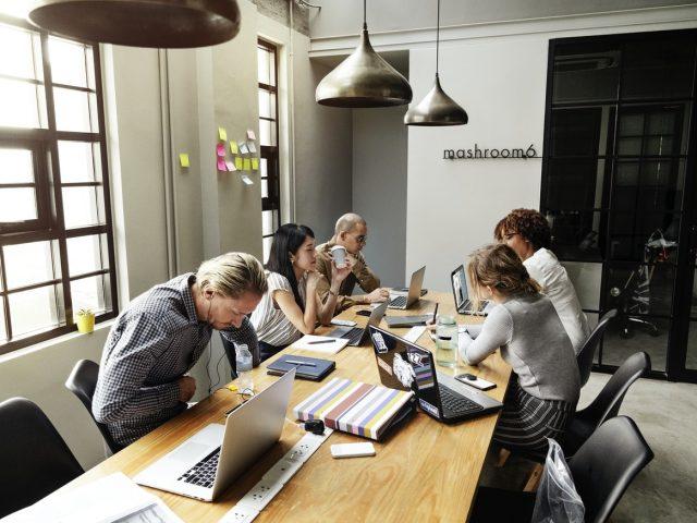 İş Yaşamında Sosyal Davranışlar Ve Protokol